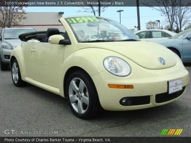 mellow yellow 2006 volkswagen new beetle 2 5 convertible black interior. Black Bedroom Furniture Sets. Home Design Ideas