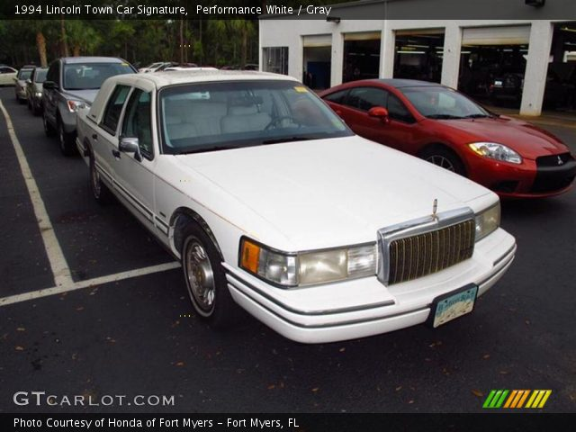 performance white 1994 lincoln town car signature gray interior vehicle. Black Bedroom Furniture Sets. Home Design Ideas