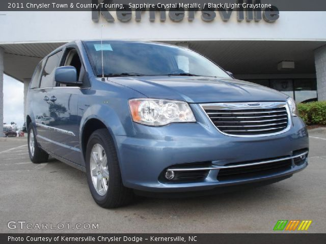 2011 Chrysler Town & Country Touring in Sapphire Crystal Metallic
