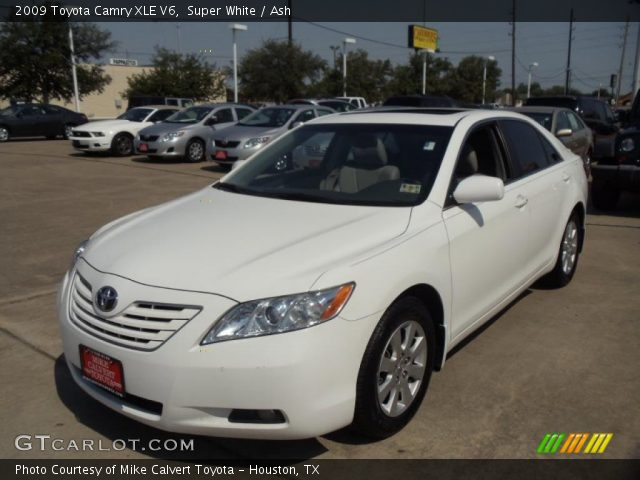 super white 2009 toyota camry xle v6 ash interior vehicle archive 48663941. Black Bedroom Furniture Sets. Home Design Ideas