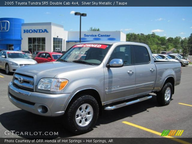 silver sky metallic 2005 toyota tundra sr5 double cab 4x4 taupe interior. Black Bedroom Furniture Sets. Home Design Ideas