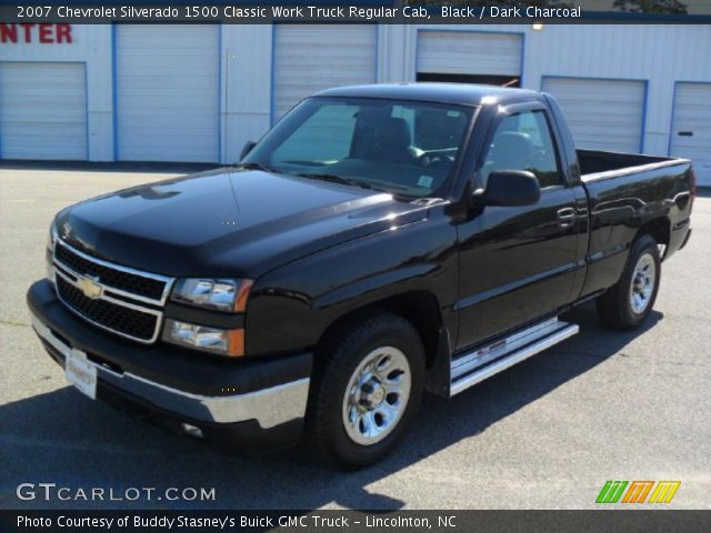 2007 Chevrolet Silverado 1500 Classic Work Truck Regular Cab in Black