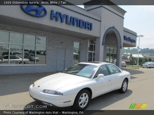 1999 Oldsmobile Aurora  in Arctic White