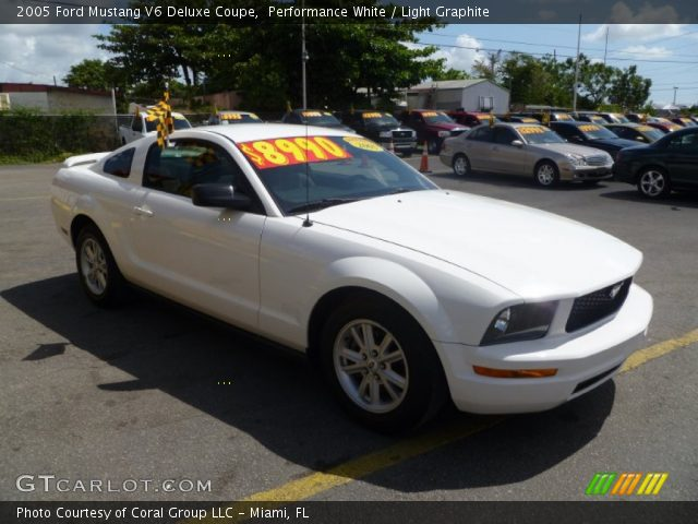 performance white 2005 ford mustang v6 deluxe coupe. Black Bedroom Furniture Sets. Home Design Ideas