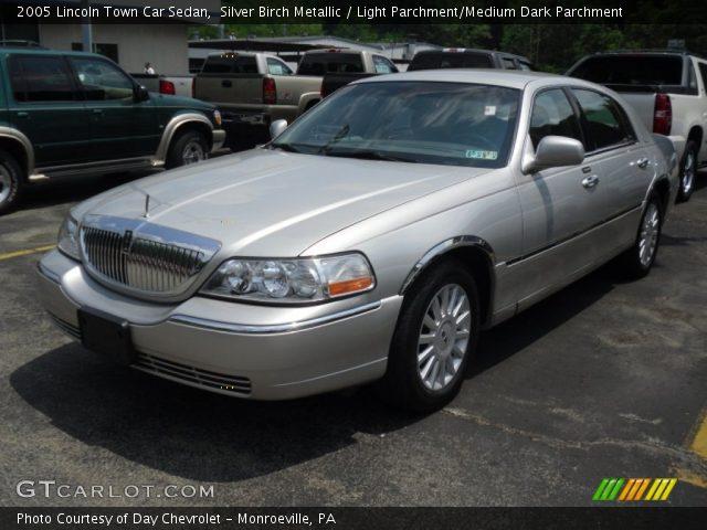 silver birch metallic 2005 lincoln town car sedan light parchment medium dark parchment. Black Bedroom Furniture Sets. Home Design Ideas