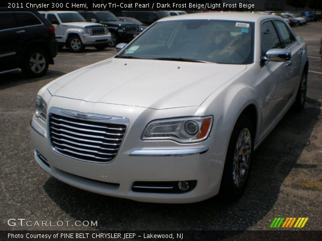 2011 Chrysler 300 C Hemi in Ivory Tri-Coat Pearl