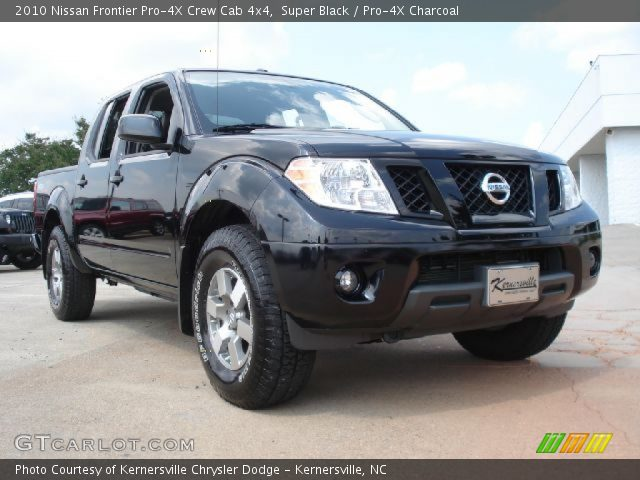 super black 2010 nissan frontier pro 4x crew cab 4x4 pro 4x charcoal interior. Black Bedroom Furniture Sets. Home Design Ideas