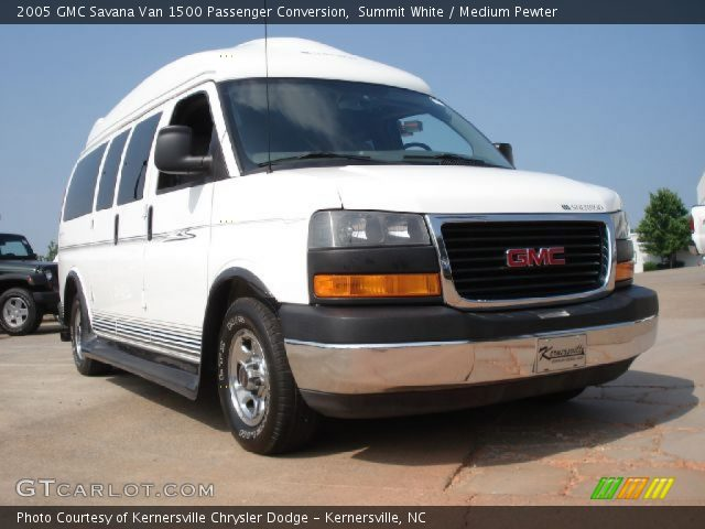 summit white 2005 gmc savana van 1500 passenger. Black Bedroom Furniture Sets. Home Design Ideas