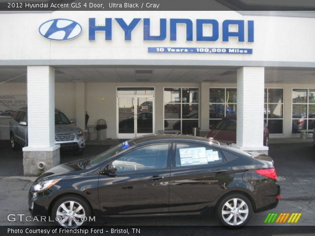2012 Hyundai Accent GLS 4 Door in Ultra Black