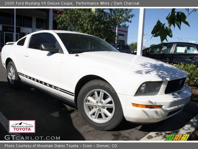 performance white 2005 ford mustang v6 deluxe coupe dark charcoal interior. Black Bedroom Furniture Sets. Home Design Ideas