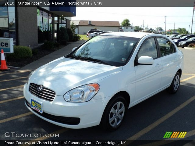 2010 Hyundai Accent GLS 4 Door in Nordic White