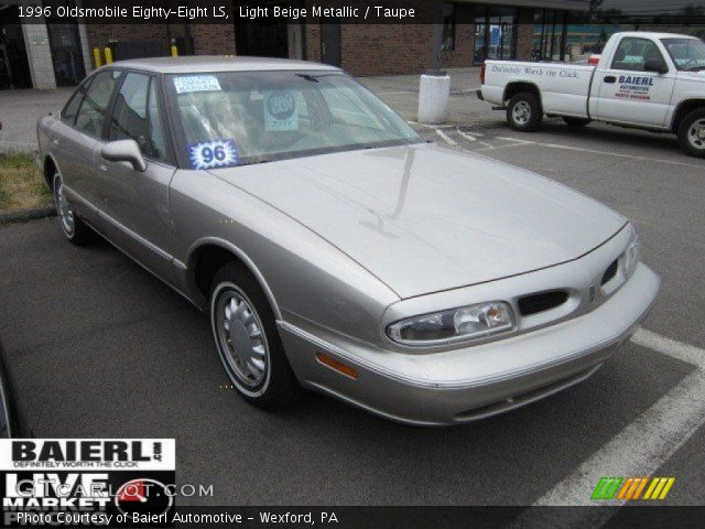 1996 Oldsmobile Eighty-Eight LS in Light Beige Metallic
