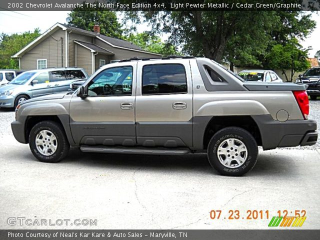 light pewter metallic 2002 chevrolet avalanche the north. Black Bedroom Furniture Sets. Home Design Ideas