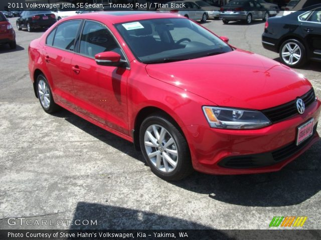 tornado red 2011 volkswagen jetta se sedan titan black. Black Bedroom Furniture Sets. Home Design Ideas