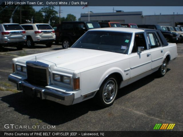 oxford white 1989 lincoln town car dark blue interior vehicle archive 52453145. Black Bedroom Furniture Sets. Home Design Ideas