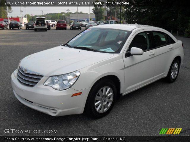 on 2007 Chrysler Sebring White