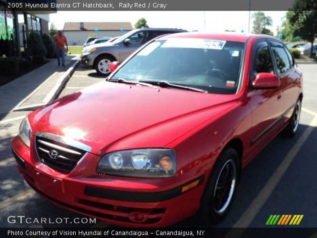 rally red 2005 hyundai elantra gt hatchback gray. Black Bedroom Furniture Sets. Home Design Ideas