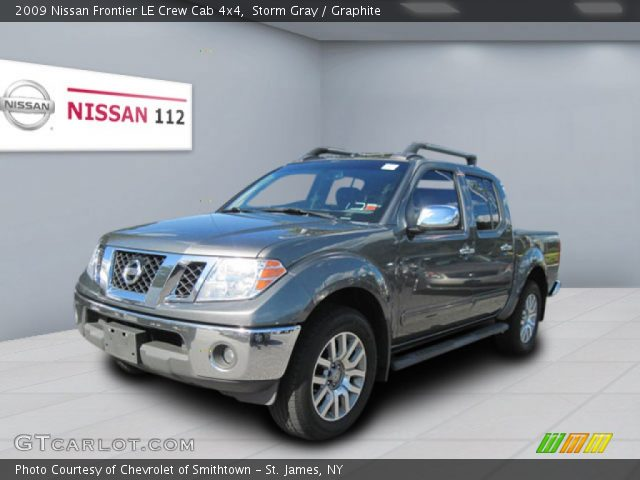 storm gray 2009 nissan frontier le crew cab 4x4 graphite interior vehicle. Black Bedroom Furniture Sets. Home Design Ideas
