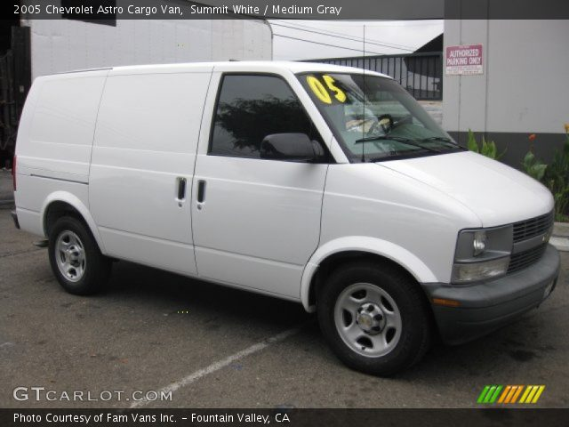 summit white 2005 chevrolet astro cargo van medium. Black Bedroom Furniture Sets. Home Design Ideas