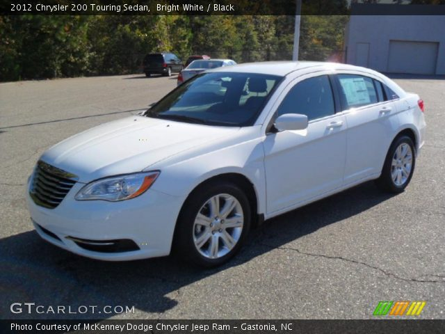 2012 Chrysler 200 Touring Sedan in Bright White