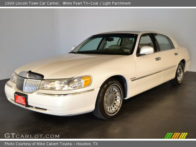 white pearl tri coat 1999 lincoln town car cartier light parchment interior. Black Bedroom Furniture Sets. Home Design Ideas