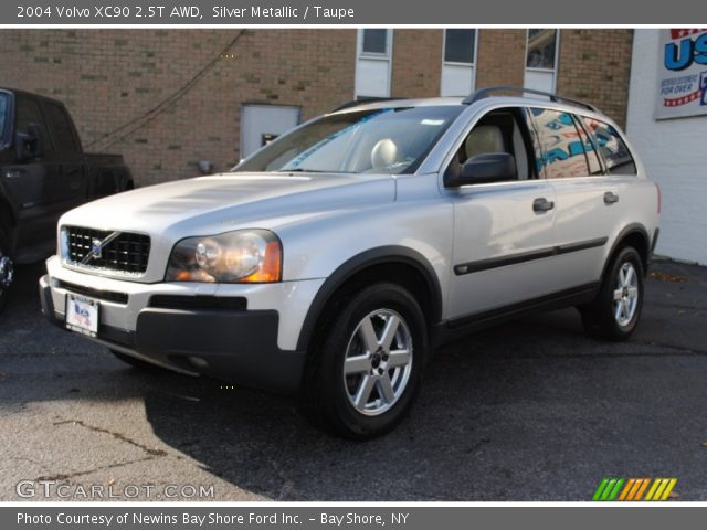 silver metallic 2004 volvo xc90 2 5t awd taupe interior vehicle archive. Black Bedroom Furniture Sets. Home Design Ideas