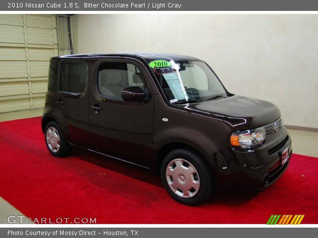 bitter chocolate pearl 2010 nissan cube 1 8 s light gray interior vehicle. Black Bedroom Furniture Sets. Home Design Ideas