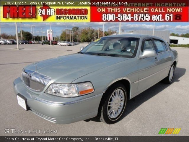 satellite silver metallic 2007 lincoln town car signature limited dove interior gtcarlot. Black Bedroom Furniture Sets. Home Design Ideas