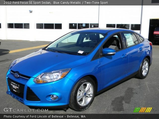 blue candy metallic 2012 ford focus se sport sedan two tone sport interior. Black Bedroom Furniture Sets. Home Design Ideas