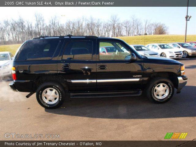 2005 GMC Yukon SLE 4x4 in Onyx Black