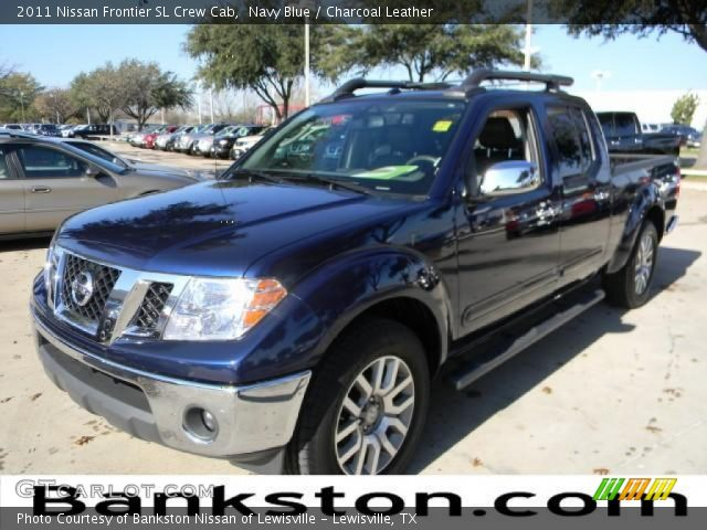 navy blue 2011 nissan frontier sl crew cab charcoal leather interior. Black Bedroom Furniture Sets. Home Design Ideas
