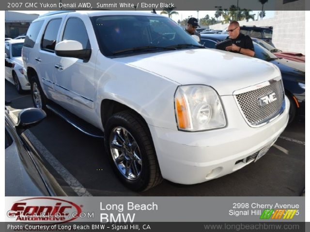 2007 GMC Yukon Denali AWD in Summit White