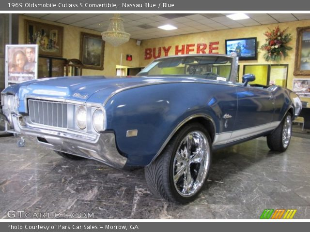 1969 Oldsmobile Cutlass S Convertible in Nassau Blue