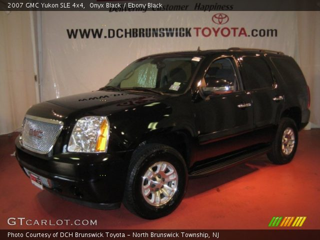 2007 GMC Yukon SLE 4x4 in Onyx Black