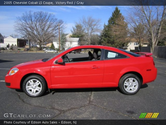 victory red 2005 chevrolet cobalt ls coupe gray. Black Bedroom Furniture Sets. Home Design Ideas