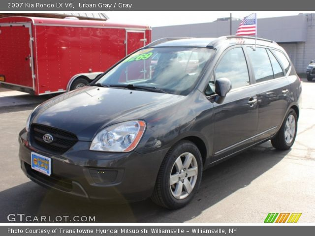 urban gray 2007 kia rondo lx v6 gray interior. Black Bedroom Furniture Sets. Home Design Ideas