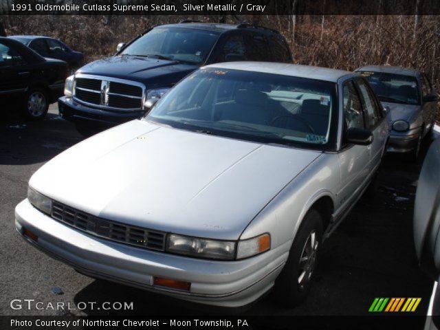1991 Oldsmobile Cutlass Supreme Sedan in Silver Metallic