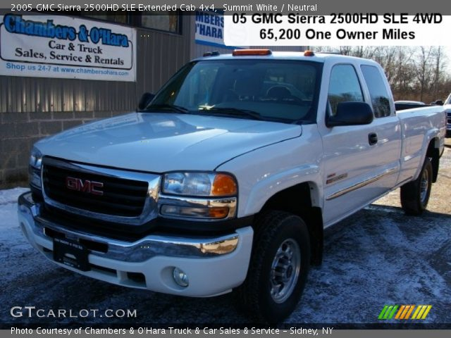 summit white 2005 gmc sierra 2500hd sle extended cab 4x4 neutral interior. Black Bedroom Furniture Sets. Home Design Ideas