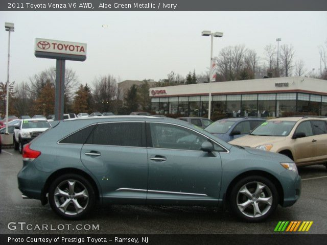 aloe green metallic 2011 toyota venza v6 awd ivory. Black Bedroom Furniture Sets. Home Design Ideas