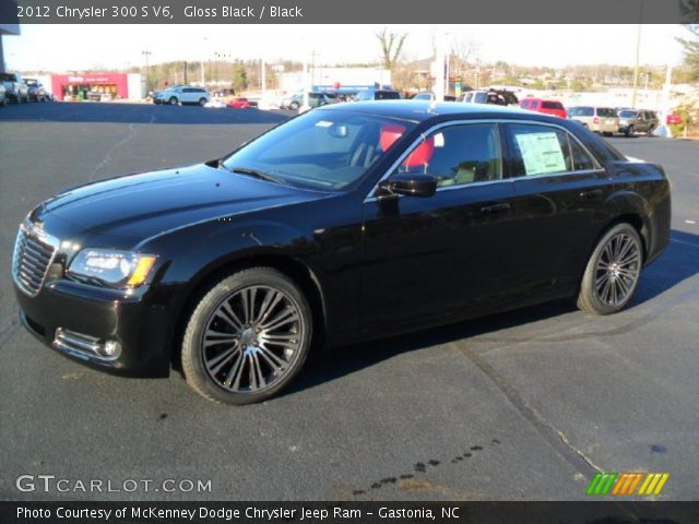 2012 Chrysler 300 S V6 in Gloss Black