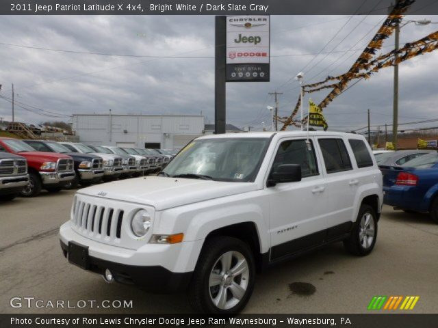 bright white 2011 jeep patriot latitude x 4x4 dark slate gray interior. Black Bedroom Furniture Sets. Home Design Ideas