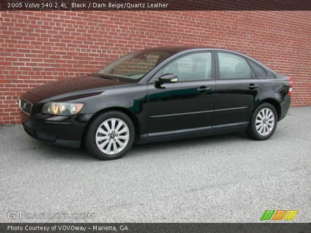 2005 Volvo S40 2.4i in Black