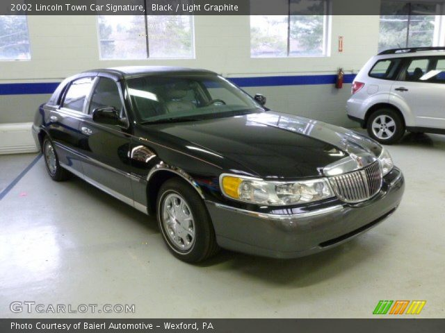 black 2002 lincoln town car signature light graphite interior vehicle. Black Bedroom Furniture Sets. Home Design Ideas