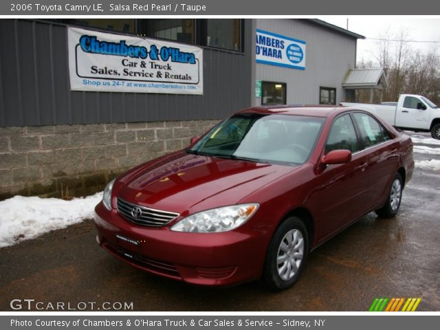 salsa red pearl 2006 toyota camry le taupe interior vehicle archive 61868386. Black Bedroom Furniture Sets. Home Design Ideas