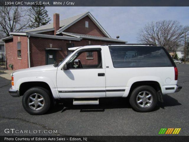 1994 GMC Yukon SLE 4x4 in White
