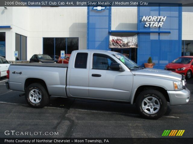 bright silver metallic 2006 dodge dakota slt club cab 4x4 medium slate gray interior. Black Bedroom Furniture Sets. Home Design Ideas