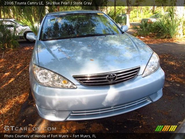 sky blue pearl 2006 toyota camry le stone gray interior vehicle archive. Black Bedroom Furniture Sets. Home Design Ideas