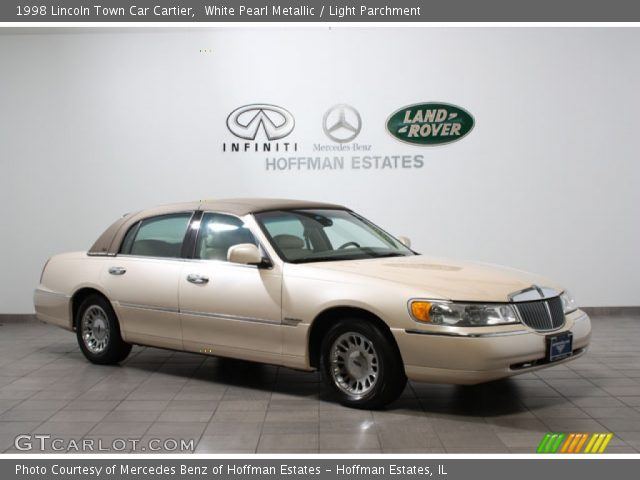 white pearl metallic 1998 lincoln town car cartier light parchment interior. Black Bedroom Furniture Sets. Home Design Ideas