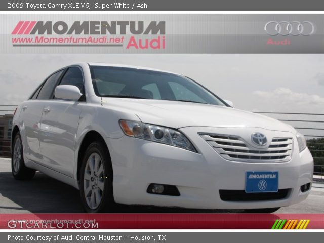super white 2009 toyota camry xle v6 ash interior vehicle archive 65042187. Black Bedroom Furniture Sets. Home Design Ideas