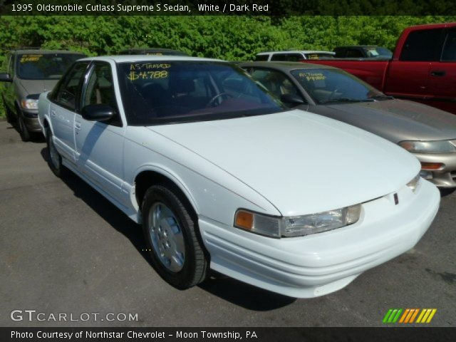 1995 Oldsmobile Cutlass Supreme S Sedan in White